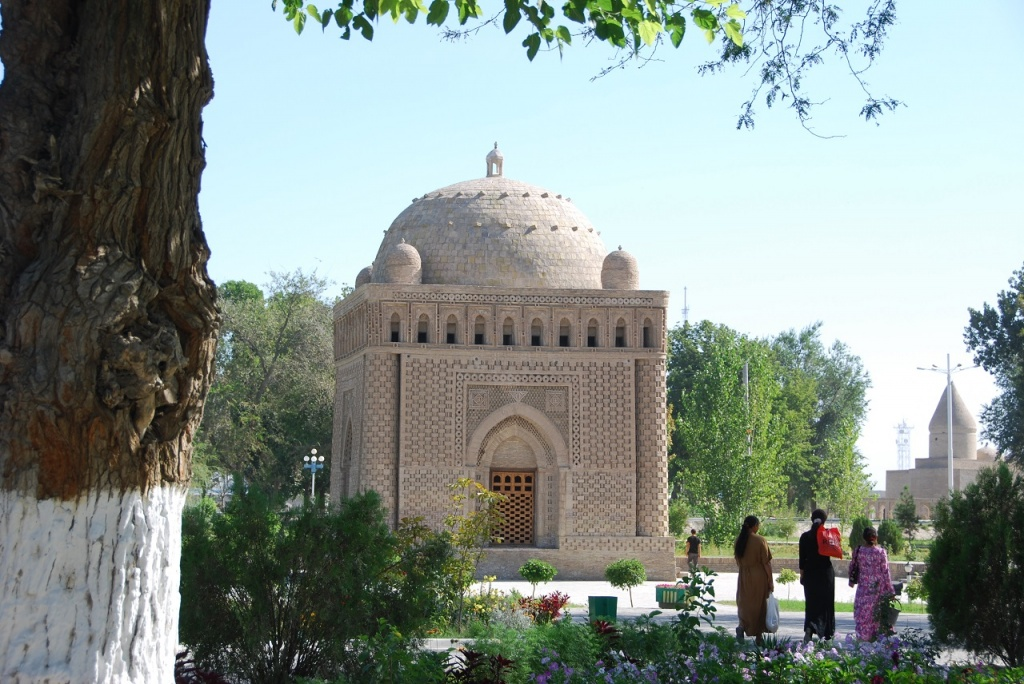 "Huawei is implementing ""Safe Tourism"" pilot project in Bukhara"