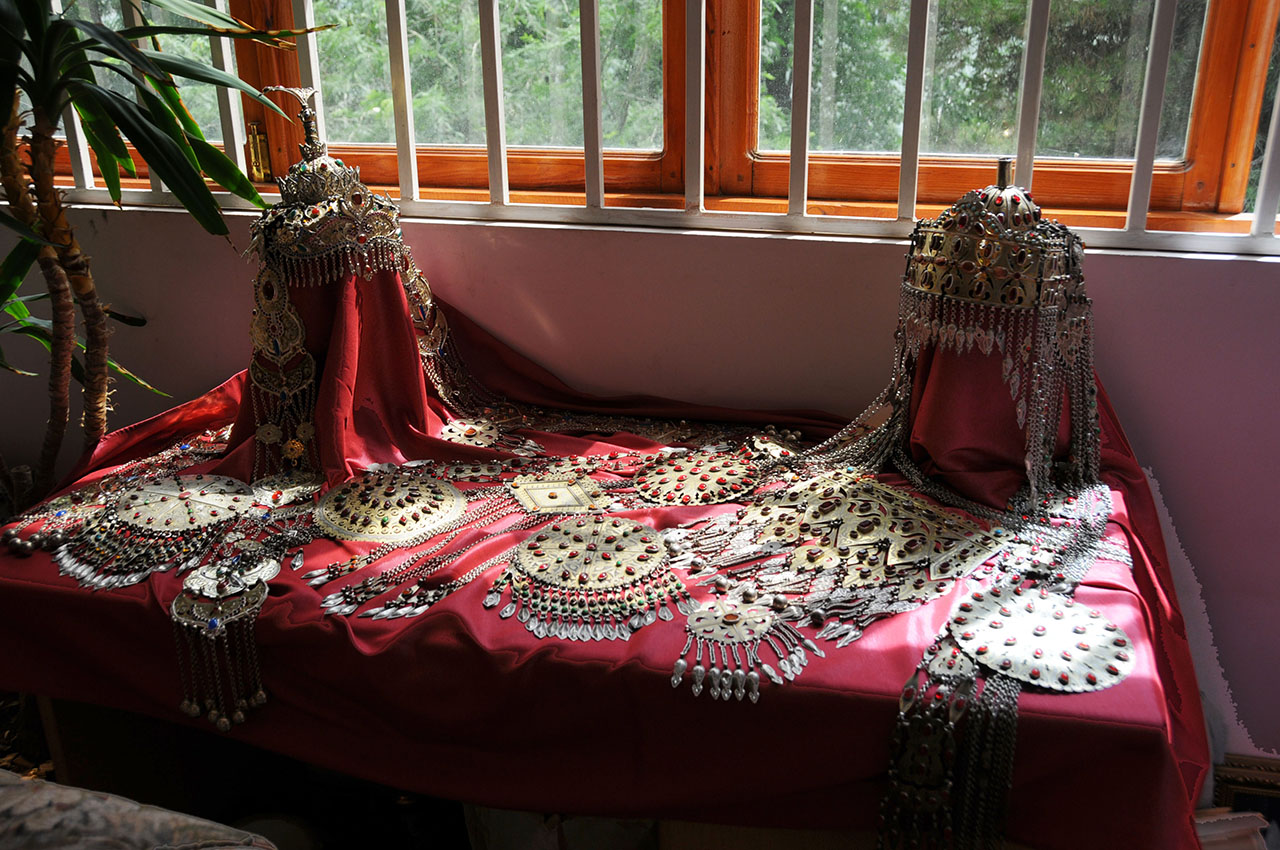 Arts and crafts style bedding - Arts And Crafts Bedding Turkmenistan Arts Crafts