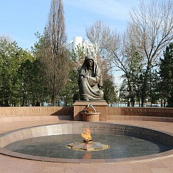 The Square of Memory (1998-1999) - You are always in our hearts dear, Tashkent